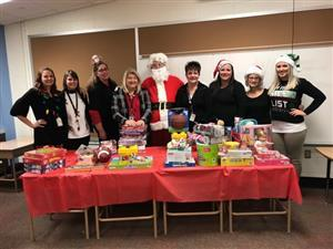 Teachers and Staff at School 31 Provide Holiday Assistance to Families