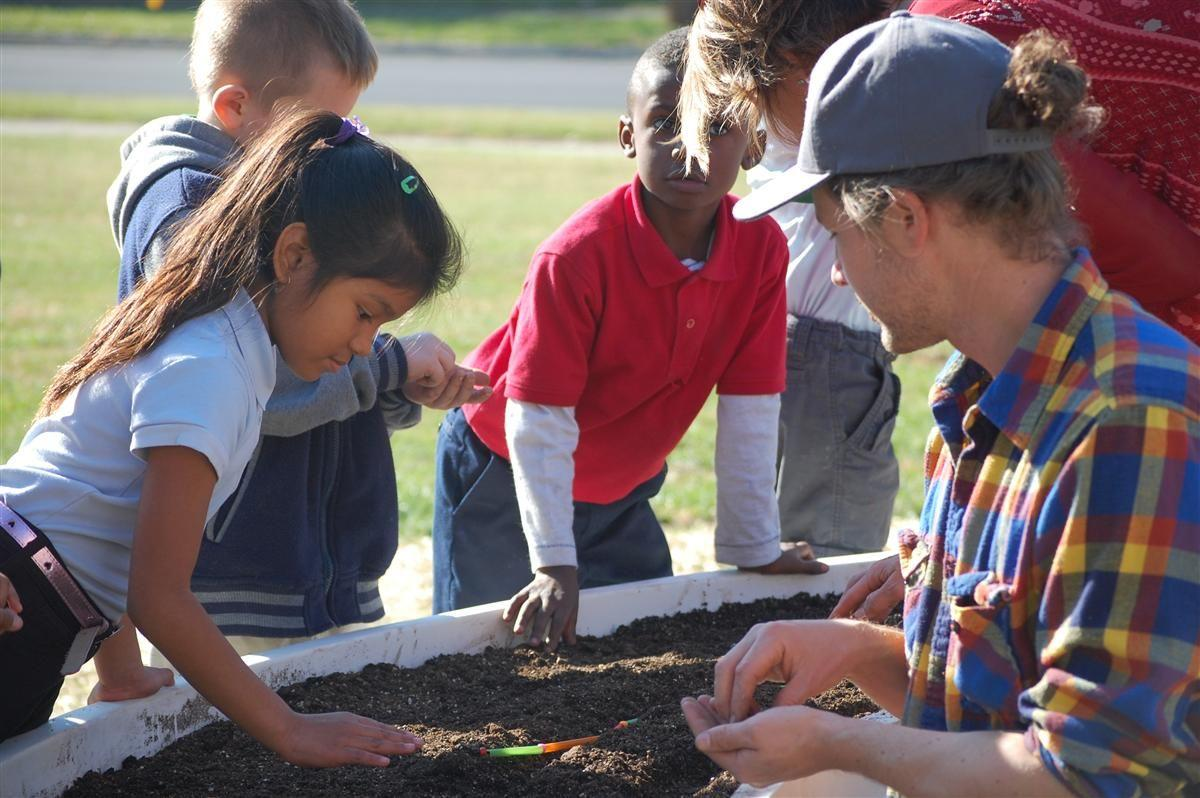 Learning Garden at William McKinley School 39